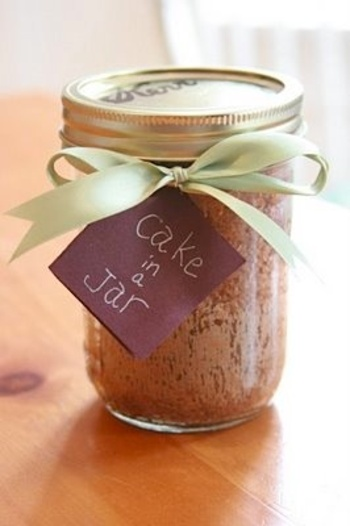 cake in a jar